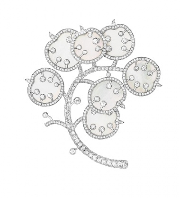 Broche Feuille de Chêne en or blanc, diamants et perles de culture, Van Cleef & Arpels
